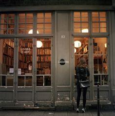 vamos sair hoje e comprar alguns livros para o final de semana? TGIF!