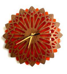 Reloj Wall Clock Starburst Geometric - Walnut and Acrylic