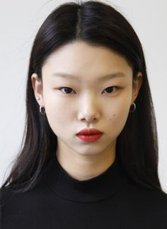 20 new models that will be dominating fashion week Teenager Mode, Fashion Models, Asian Eyes, Female Reference, Aesthetic People, Model Face, Chinese Model, Teen Vogue, Girl Face