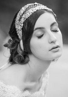 gorgeous bridal headband by #livhart #bridalaccessories #weddinglook #vintage