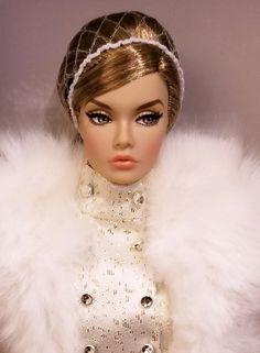 Luxe Life: Salesroom | by JennFL2 Fashion Royalty Dolls, Fashion Dolls, Glamour Dolls, Doll Wardrobe, Luxe Life, Laurel Burch, Doll Dresses, Barbie Friends, Barbie World