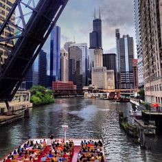 """""""Open Welcome"""" (20 Chicago Instagram Photos We Love 