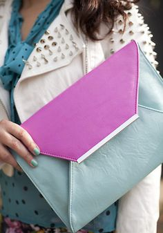 Envelope clutch via @Kerrie Why Cunning Carr.  (KO) The BAG! To die for.