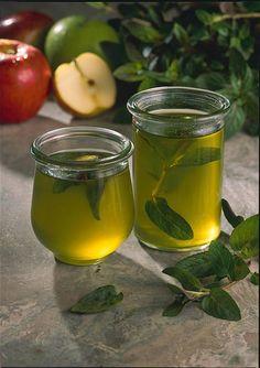 Unser beliebtes Rezept für Minzgelee mit Apfelsaft und mehr als 55.000 weitere kostenlose Rezepte auf LECKER.de.