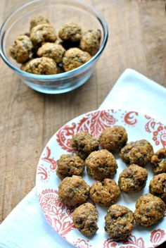 Quinoa Meatballs Baby Finger Food by beckysbestbites.com #kidfriendly #freezerfriendly #healthyrecipe