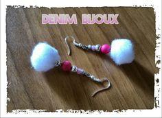 Boucles d'oreilles légères et colorées.  Pompons et perles www.denimbijoux.com