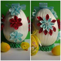Jajko czerwono-jasnoniebiesko