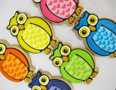 Owl cookies. I'm wondering when I will find an entire Owl menu!