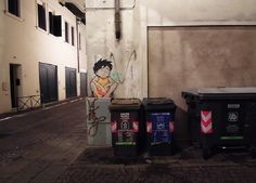 A gallery of amazing street art pieces by Padova, Italy-based artist Kenny Random, including his cartoon characters and silhouette man. Outdoor Sculpture, Outdoor Art, Street Photography, Art Photography, Street Art Utopia, Future Boy, Best Graffiti, Italian Street, Cartoon Wall