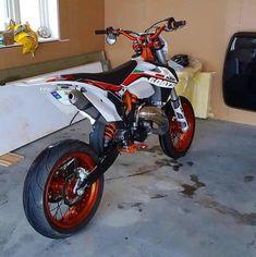 Motocross Love, Enduro Motocross, Enduro Motorcycle, Girl Motorcycle, Motorcycle Quotes, Kawasaki Dirt Bikes, Ktm Dirt Bikes, Cool Dirt Bikes, Dirt Biking