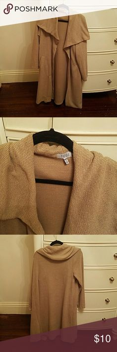 Tobi Oversized Beige Cloak Size Medium. 90% polyester 10% rayon. Perfect for warm weather! Tobi Jackets & Coats