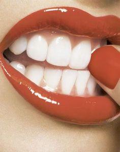 Mes Articles Du Jour: Astuce pour blanchir les dents !
