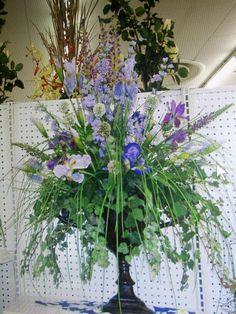 Mixed spring flower arrangement by kyong