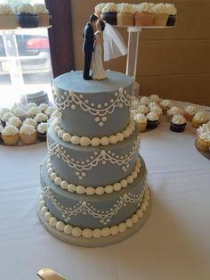 Tiered Wedding Cake. Buttercream Wedding Cake. Simple Wedding Cake. On trend wedding cake. Wedding Planning. Cupcake Wedding
