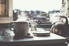 Steamy couple make tea / photo Myscha Oréo