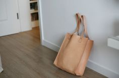 Leather Shopping Tote - Nature
