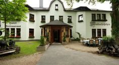 Hotel Waldschlößchen Garni Glienicke Hotel Waldschlößchen Garni offers pet-friendly accommodation in Glienicke.  Rooms include a flat-screen TV. Hotel Waldschlößchen Garni features free WiFi throughout the property.  There is room service at the property.