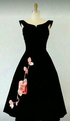 vintage dresses 15 best outfits - vintage dresses Outfits vestidos vintage dresses 15 best outfits - Page 4 of 13 - cute dresses outfits Pretty Outfits, Pretty Dresses, Beautiful Outfits, Cute Outfits, Fresh Outfits, 50 Style Dresses, 60s Dresses, Gorgeous Dress, Evening Dresses