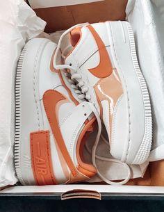 All Nike Shoes, White Nike Shoes, Hype Shoes, Jordan Shoes Girls, Girls Shoes, Cute Sneakers, Shoes Sneakers, Girls Formal Shoes, Cute Girl Shoes