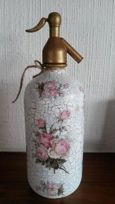 Decoupage Vintage, Interior Design Living Room, Room Interior, Mason Jar Lamp, Painting Techniques, Soap Dispenser, Diy And Crafts, Cool Things To Buy, Projects To Try