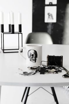 skull mug. Get a minimalistic bedroom, living room or dining room using furs, white carpets, and so much more... Se more home design ideas here: http://www.homedesignideas.eu/ #contemporary #interiordesign