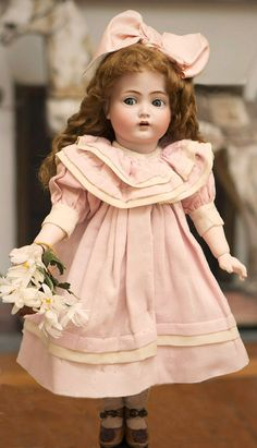 "18"" (46 cm) Superb Example Kammer & Reinhardt 117n ""Mein Liebling"" Flirty-Eyed Doll On Original Teen-Aged Body Antique dolls at Respectfulbear.com"