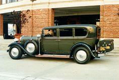 1932 Lincoln 7 Passenger Sedan