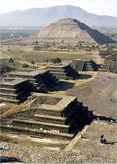 Pre-Hispanic, Pre-Aztec, City of Teotihuacan Ancient Buildings, Ancient Architecture, Aztec City, Places Around The World, Around The Worlds, Aztec Ruins, Legends And Myths, Tikal, Ancient Ruins
