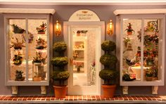pictures+of+florist+shops | Front of a florist shop roombox by Judy Lauson from the 2008 West ...
