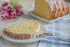 Ein saftiger Zitronenkuchen lässt sich mit ganz wenig Aufwand zubereiten.