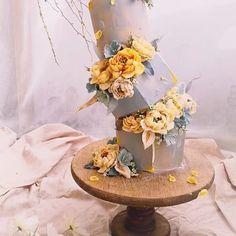 #beanpaste##flowercakes#flowercake#flowers#bouquet#buttercreamflower#edibleart#customcakes#designercake#instacake#cakedecorating#cakeoftheday#birthdaycake#豆沙裱花#韩式裱花#韩式豆沙裱花