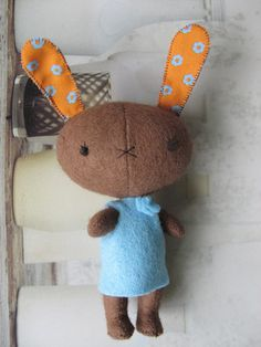 bunny for inspiration only. No pattern, just darned sweetness! Love it, thanks so xox