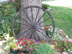 Would love love love to have an old wagon wheel for decoration outside!! Hmm now where could I get one?!