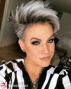 New hair color grey blonde pixie cuts 34 Ideas Short Grey Hair, Short Hair Cuts For Women, Grey Short Hair Styles, Short Silver Hair, Short Hair With Undercut, Short Pixie Cuts, Undercut Pixie Haircut, Black Hair, Shaggy Pixie