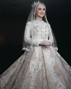 Muslim Wedding Gown, Hijabi Wedding, Kebaya Wedding, Muslimah Wedding Dress, Muslim Wedding Dresses, Muslim Brides, Muslim Dress, Dream Wedding Dresses, Wedding Gowns