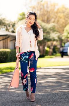 360 Likes, 15 Comments - Kileen Mustard Pants, Toddler Rain Boots, Animal Print Pants, Floral Pants, How To Roll Sleeves, Pretty Outfits, Pretty Clothes, Petite Fashion, Street Chic