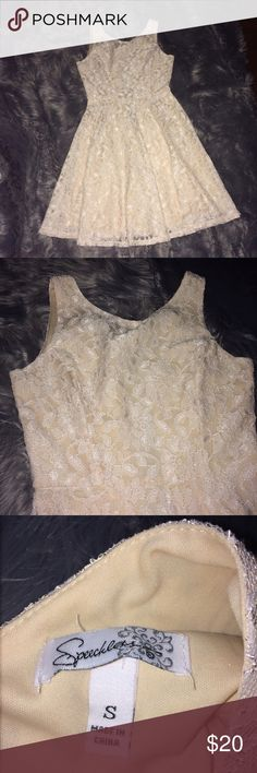 Cream lace dress Worn only once to a wedding. Very cute dress, gives you a nice shape. Size small, bought at macys Speechless Dresses Midi