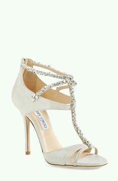 Zapatos bancos con pedreria