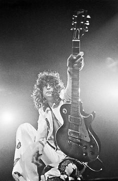 Led Zeppelin- Jimmy Page with his Les Paul. Rock Roll, Rock And Roll Bands, Led Zeppelin, Les Paul, Great Bands, Cool Bands, Elvis Presley, John Paul Jones, John Bonham