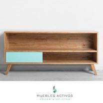 Mueble Nordico o escandinavo. color aqua, turquesa o verde agua y madera natural.