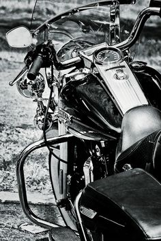 ♂ Black & white Harley Davidson by André Dubreuil, via 500px