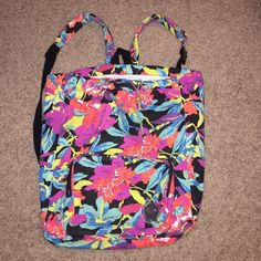 Flowered drawstring bag Very good condition and very cute bag Roxy Bags Backpacks