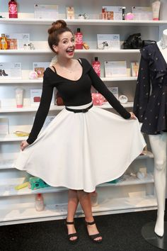 Designer Clothes, Shoes & Bags for Women Zoella Outfits, Cute Outfits, Zoella Beauty, Zoe Sugg, Famous Youtubers, Cute Skirts, Fall Winter Outfits, Amazing, Dress Skirt