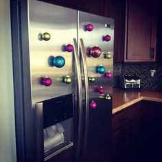 Pinterest Home Decorating Ideas | Add some *sparkle* to your table with ornament place holders, colorful ...