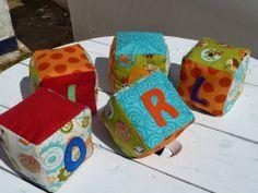 Mon CreacionS: DIY - Cubs de tela amb el nom!!! << Fabric baby Cubes >>