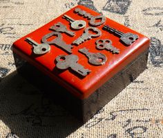 Wooden Box, Collage Box, Red Keepsake Box, Keys Jewelry Box, Mosaic Box, Trinket…