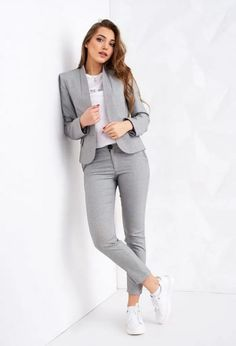 29 Latest Office & Work Outfits Ideas for Women 20 - corporate attire women Stylish Work Outfits, Winter Outfits For Work, Business Casual Outfits, Professional Outfits, Casual Winter Outfits, Work Casual, Business Professional, Casual Office Outfits Women, Office Look Women