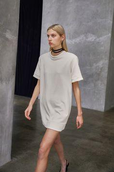 Fashion News, Fashion Beauty, Leather Bra, Capsule Outfits, Vogue Russia, Wardrobe Basics, Fashion Show Collection, Knit Dress, Spring Summer Fashion