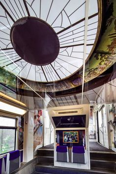 French Train Cars Are Being Turned into Mobile Museums Covered in Impressionist Art