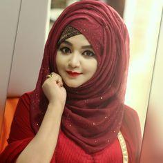 ❤️ Jumma Mubarak to all my friends Bridal Hijab Styles, Hijab Wedding Dresses, Hijab Bride, Bridal Dresses, Niqab Fashion, Modern Hijab Fashion, Muslim Women Fashion, Pashmina Hijab Tutorial, Hijab Style Tutorial